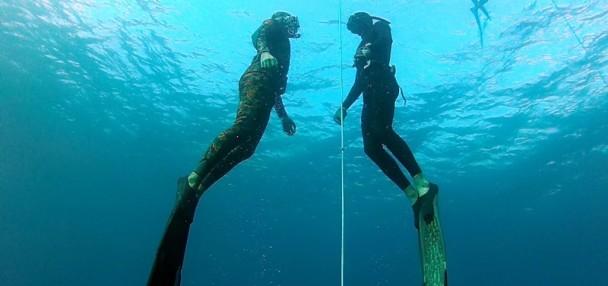 גרישה אסקרוב ורובן מלול במהלך קורס צלילה חופשית באילת